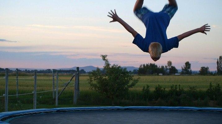 Скачане-на-батут