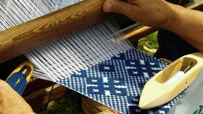 килими според материала