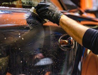 възстановяващо полиране на автомобила